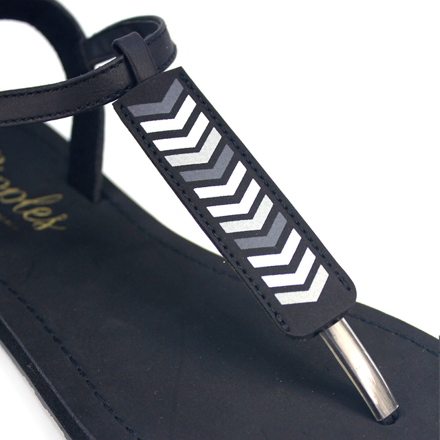 Chevron Slide'N'Style T-Bar Sandals (Black)